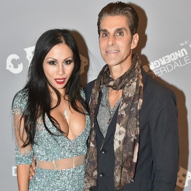 A cantora e dançarina Etty Lau se casou em 2002 com Perry Farrell, líder do Jane's Addiction, e passou a usar também o sobrenome dele. (Foto: Getty Images)