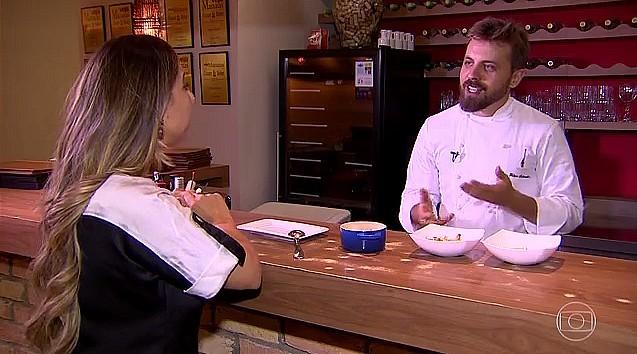 Chef de restaurante, em Manaus, aprova os sabores exóticos produzidos na região. (Foto: Reprodução/Bem Estar)