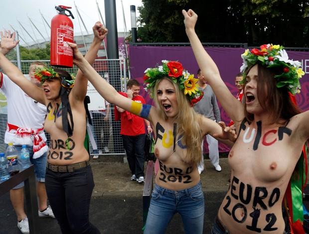 protesto grupo feminista topless eurocopa 2012 (Foto: Ag&#234;ncia Reuters)