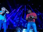 Luan Santana faz show performático e canta 'Lepo Lepo' com Márcio Victor