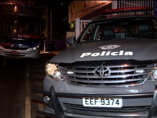 Polícia Militar prende suspeito de roubar ônibus em Campinas (Foto: Reprodução EPTV)
