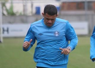 Edinho Maicon Grêmio  (Foto: Eduardo Moura/Globoesporte.com)