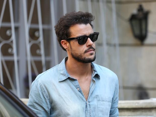 Enrico anuncia que se mudará para Milão (Foto: Carol Caminha/ Gshow)
