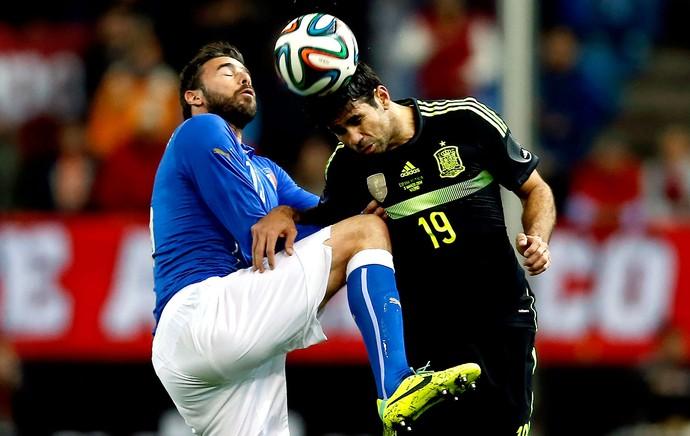 Diego Costa jogo Espanha e Itália (Foto: EFE)