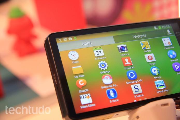 A câmera vem com toda a sorte de apps da Samsung para o sistema Android (Foto: Isadora Diaz/TechTudo) (Foto: Isadora Diaz/TechTudo)