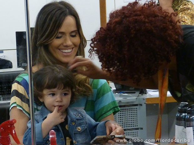 Fernanda Pontes e Malu (Foto: Flor do Caribe / TV Globo)