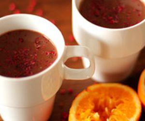 Chocolate quente com laranja e pimenta rosa