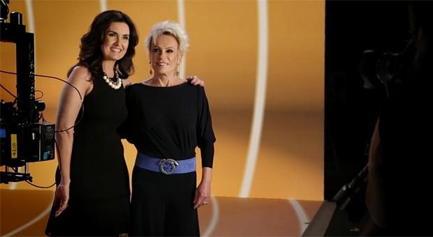Fátima Bernardes e Ana Maria Braga durante as gravações da campanha vem_aí, que lança a programação 2015 da Globo (Foto: Globo)