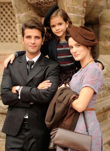 Fraz Hauser ( Bruno Gagliasso), Amélia ( Bianca Bin) e pérola ( Mel Maia) (Foto: TV GLOBO / Renato Rocha Miranda)