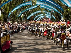 Primeiro desfile temático da Oktoberfest será realizado no domingo (Foto: Photus Estúdio)