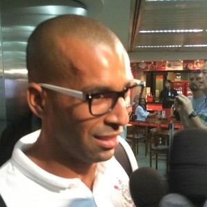 Corinthians desembarque Emerson Sheik (Foto: Diego Ribeiro)