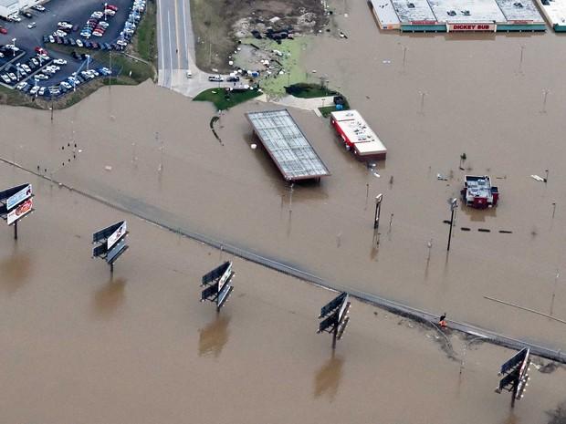 Vista aérea de inundação em Union, Missouri (Foto: Kate Munsch / Reuters)