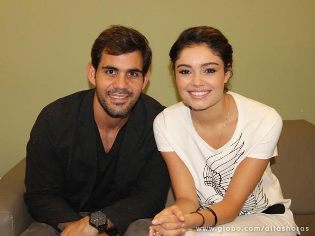 Juliano Cazarré e Sophie Charlotte comenta parceria no cinema (Foto: TV Globo/Altas Horas)