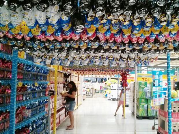 Os ovos de Páscoa já estão à venda em algumas lojas de João Pessoa, mas oferta deve se intensificar a partir de 1º de abril (Foto: Rafaela Gambarra/G1)