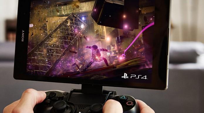 PS4 e Xperia Z3 oferecem mobilidade aos jogadores (Foto: Divulgação/Sony)