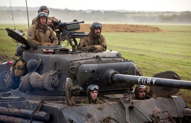 Cena de 'Corações de Ferro' ('Fury'), filme da Sony sobre a Segunda Gerra Mundial com Brad Pitt e Shia LaBeouf. (Foto: Divulgação/Sony)