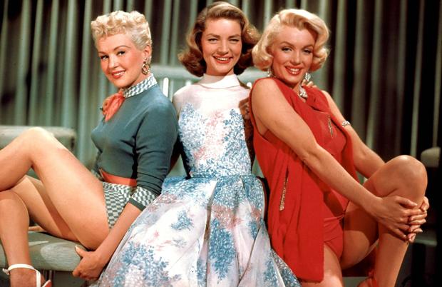 Monroe com Betty Grable e Lauren Bacall em 'Como Agarrar um Milionário' (Foto: Divulgação)