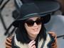 Katy Perry assina contrato de R$ 4 milhões por autobiografia, diz jornal