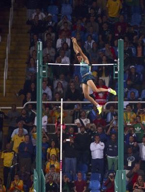 Thiago Braz salto com vara ouro (Foto: Reuters)