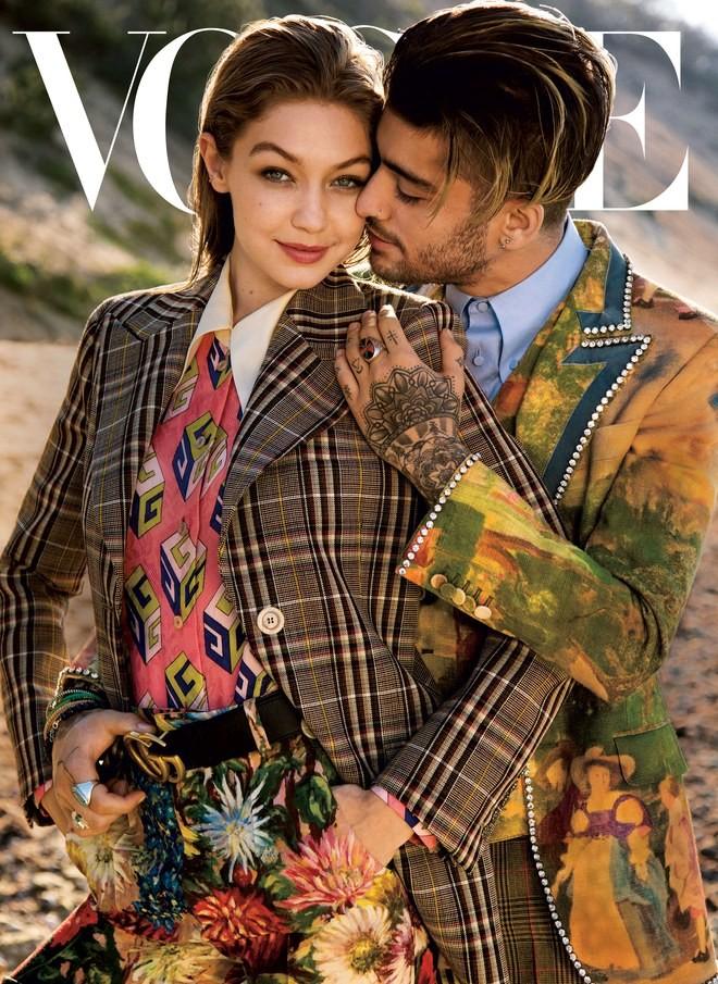 Gigi Hadid e Zayn Malik estrelam a edição de agosto da Vogue americana (Foto: Divulgação)