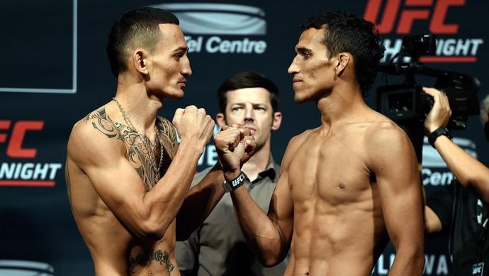 Charles Do Bronx Max Holloway pesagem UFC Saskatoon (Foto: Getty Images)