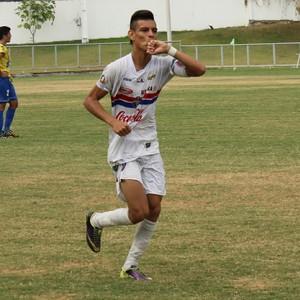 Alexsander foi artilheiro do Amaazonense de Juniores com 19 gols (Foto: Marcos Dantas)