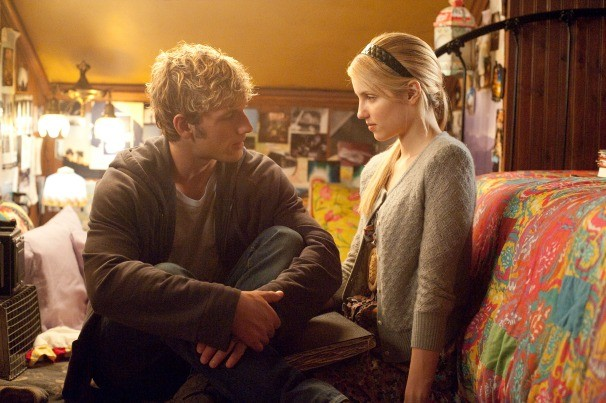 alex-pettyfer-and-diana-agron-in-i-am-number-four_2.jpg (606×403)