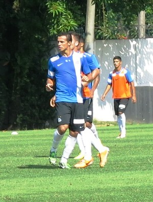 Leandro Damião treino Santos (Foto: Lincoln Chaves)
