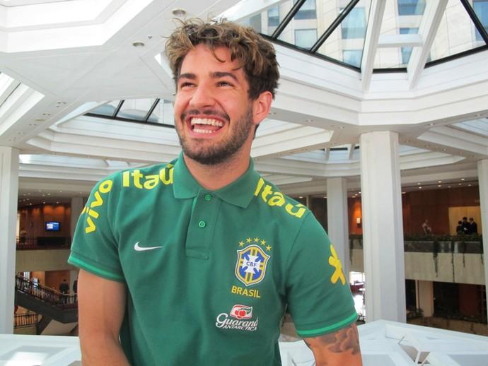 Pato entrevista seleção Brasil (Foto: Márcio Iannacca)