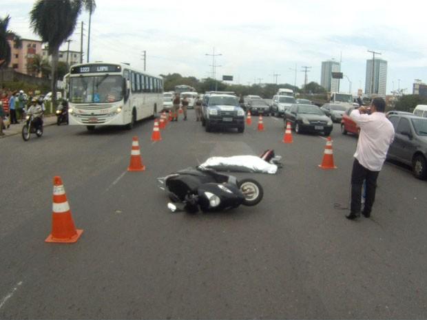 acidente na avenida acm, na bahia (Foto: Reprodução/TV Bahia)