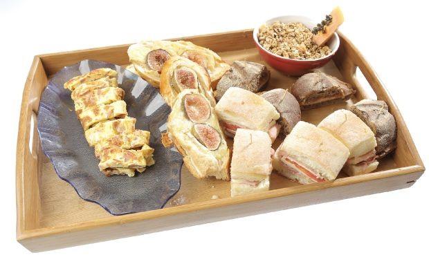 Cozinheiros em Ao - Ep. 7 - Bruschetta de figo com queijo brie, bolinho holands e po australiano  (Foto: Adalberto de Melo