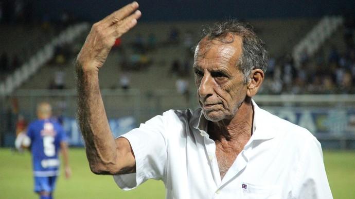 Aderbal Lana criticou condicionamento físico da equipe do Nacional (Foto: Marcos Dantas)