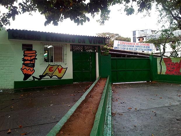 Colégio Estadual Evaristo da Veiga (Foto: Ruan Melo/ G1)