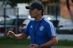 Zé Ricardo técnico Flamengo sub-20 (Foto: Cairo Oliveira)