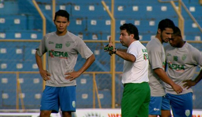 Gian Rodrigues, técnico da Francana (Foto: Sergio Oliveira / EPTV)