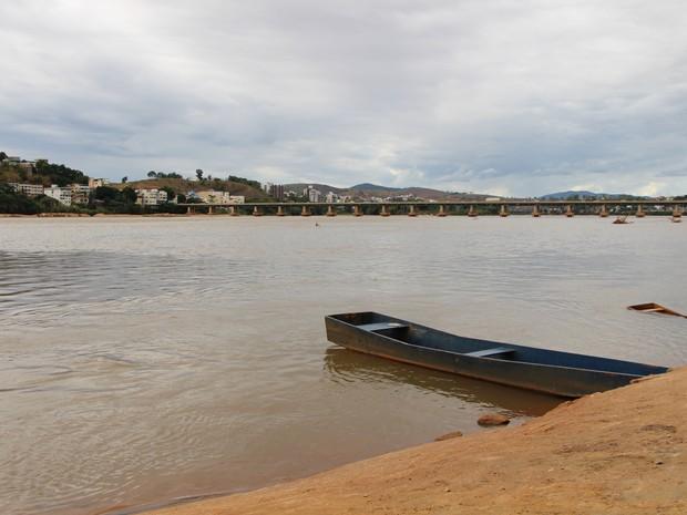 Rio Doce está com menos turbidez em Colatina, no Espírito Santo (Foto: Raquel Lopes/ A Gazeta)