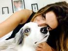 Fê Paes Leme revela todo o amor por seus cachorros