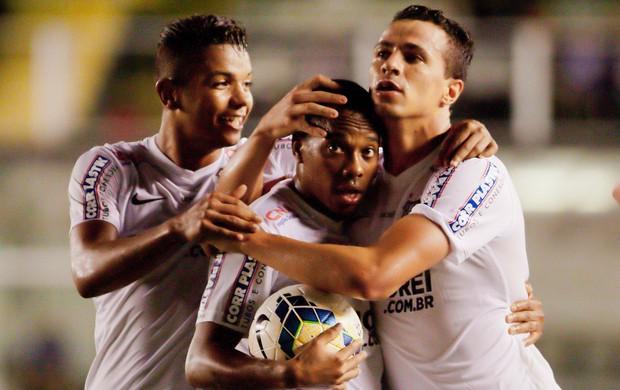 Robinho e Leandro Damião gol Santos (Foto: Delamonica / Ag. Estado)