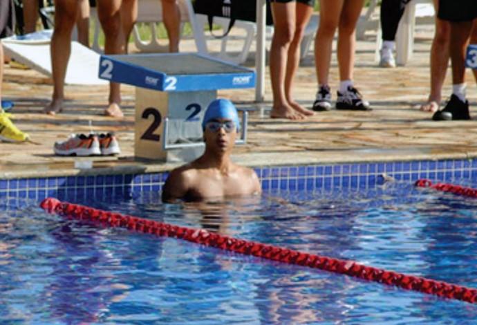 Henrique Lemos Uberaba natação (Foto: Jockey Clube Uberaba/ Divulgação)