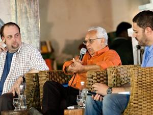 O cronista português Pedro Mexia, em sua participação na mesa 'Literatura e Geografia', na Flica (Foto: Vinicius Xavier/G1)