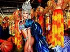 Ex-panicat Carol Narizinho experimenta sua fantasia de carnaval