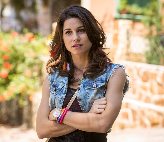 Chandelly Braz é Carmela, irmã de Tancinha (Mariana Ximenes), Shirlei (Sabrina Petraglia) e Giovanni (Jayme Matarazzo) (Foto: Fabiano Battaglin/Gshow)