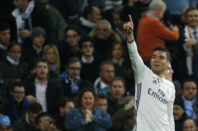 Casemiro Real Madrid Napoli Liga dos Campeões (Foto: Reuters)