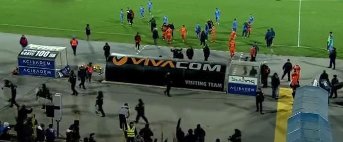 Jogadores do Litex abandonam gramado em jogo contra o Levski