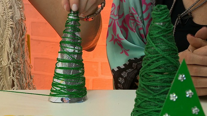 mistura com rodaika pinheirinho de natal lã cone (Foto: Reprodução RBS TV)