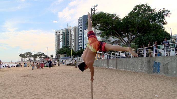 Força e concentração são fundamentais para executar os movimentos (Foto: Divulgação / TV Gazeta ES)