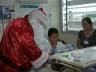 Funcionários de hospital em Marília levam alegria para pacientes