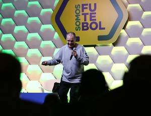BLOG: Bielsa, a base e as gambiarras do futebol brasileiro