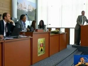 Vereador Crespo é polêmico ao levantar rumores a respeito de promotor (Foto: Reprodução TV TEM)