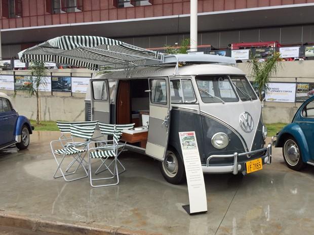 Volkswagen Kombi Turismo 1960 (Foto: André Paixão/G1)